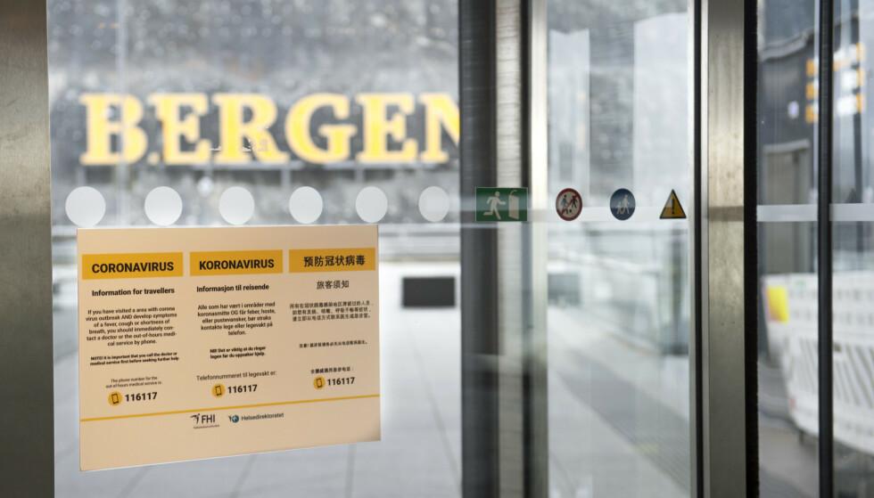 Vest politidistrikt har ilagt tre personer bøter på til sammen 60.000 kroner for brudd på smittevernreglene. Illustrasjonsfoto: Marit Hommedal / NTB