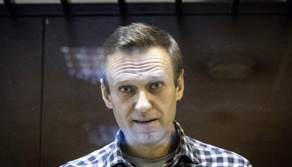 Putin-kritikeren Aleksej Navalnyj sitter fengslet i Russland. Han ble pågrepet da han vendte tilbake etter å ha fått behandling i Tyskland for det han mener var et attentatforsøk utført av russiske sikkerhetsstyrker. Foto: Alexandr Zemliansjenko / AP / NTB