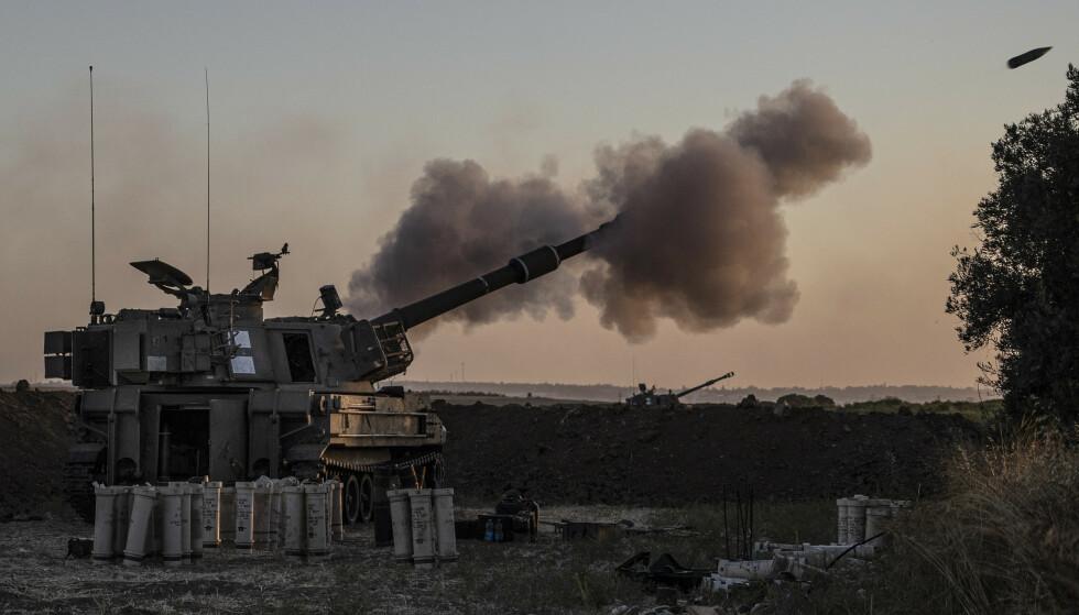 Det israelske forsvarets tidligere talsmann, norsk-israelske Bjørn Hermann Ueland, har ingen tro på at de israelske angrepene mot Gazastripen vil løse noe som helst. Okkupasjonen av palestinske områder må opphøre, mener han. Foto: AP / NTB