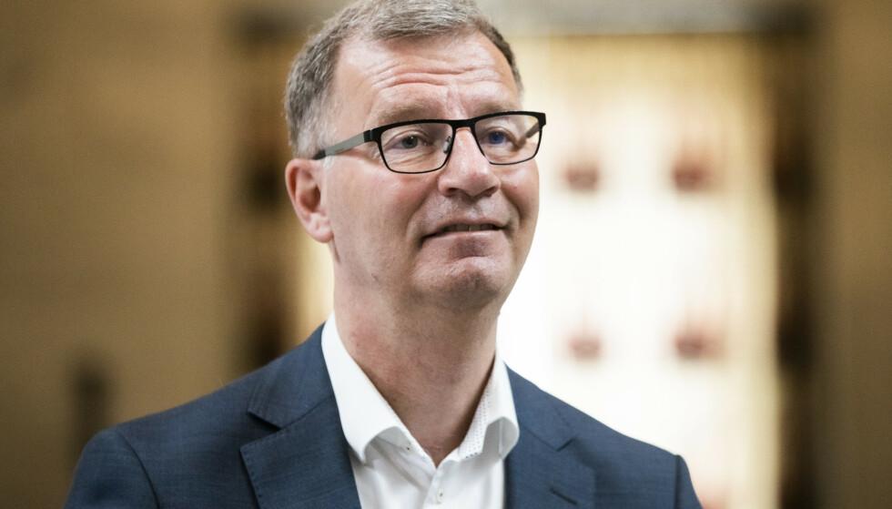 Byråd for eldre og helse Robert Steen (Ap) under en orientering om koronasituasjonen. Foto: Berit Roald/NTB