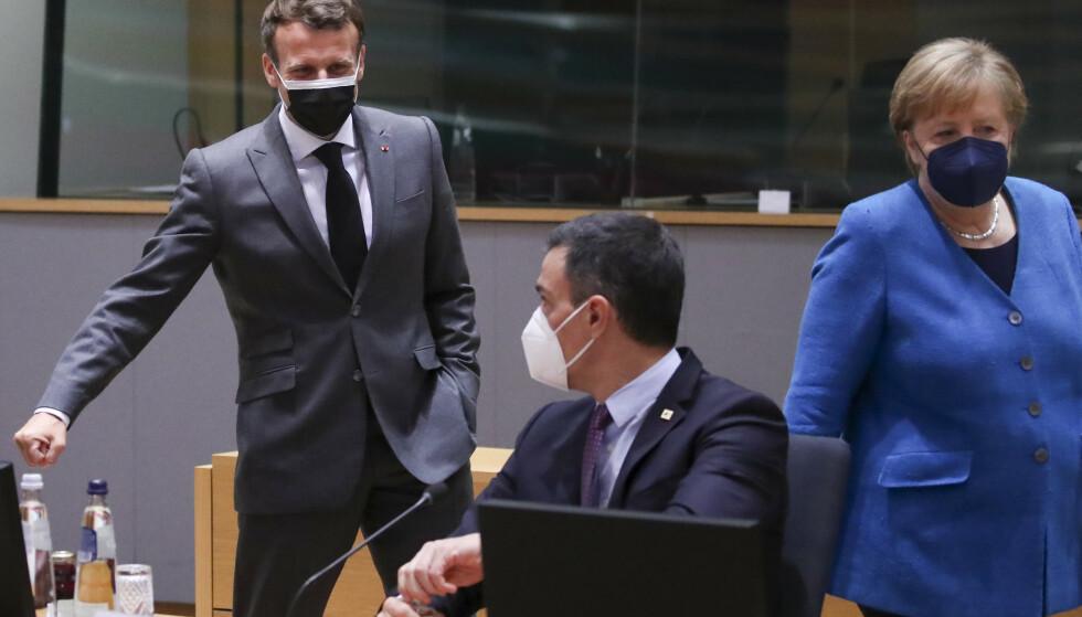 Frankrikes president Emmanuel Macron, Spanias statsminister Pedro Sánchez og Tysklands statsminister Angela Merkel på mandagens EU-toppmøte. Foto: Yves Herman, Pool via AP / NTB