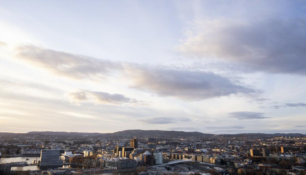 Oslo 20210402. Solnedgang over Oslo sett fra Ekeberg.Foto: Fredrik Hagen / NTB