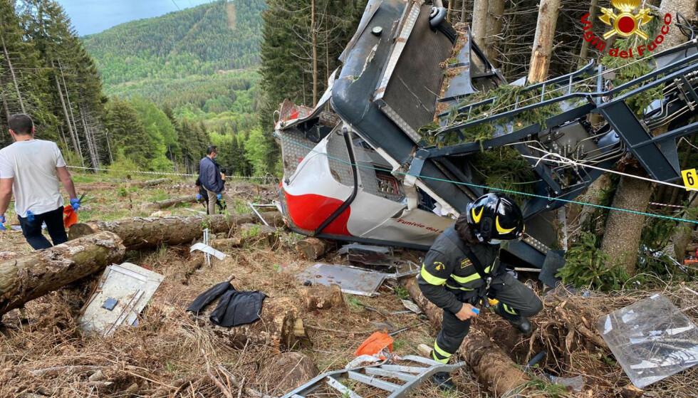 Tre personer sitter i varetekt etter taubane-ulykken der 14 mennesker omkom i Italia søndag, ifølge nyhetsbyrået ANSA.