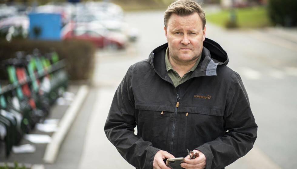 Assisterende helsedirektør Espen Nakstad utenfor NRK fredag ettermiddag. Foto: Ole Berg-Rusten / NTB