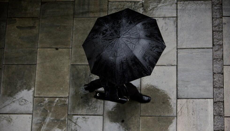 Det blir regn og kaldere vær i store deler av landet fram mot helgen. Foto: Ole Berg-Rusten / NTB