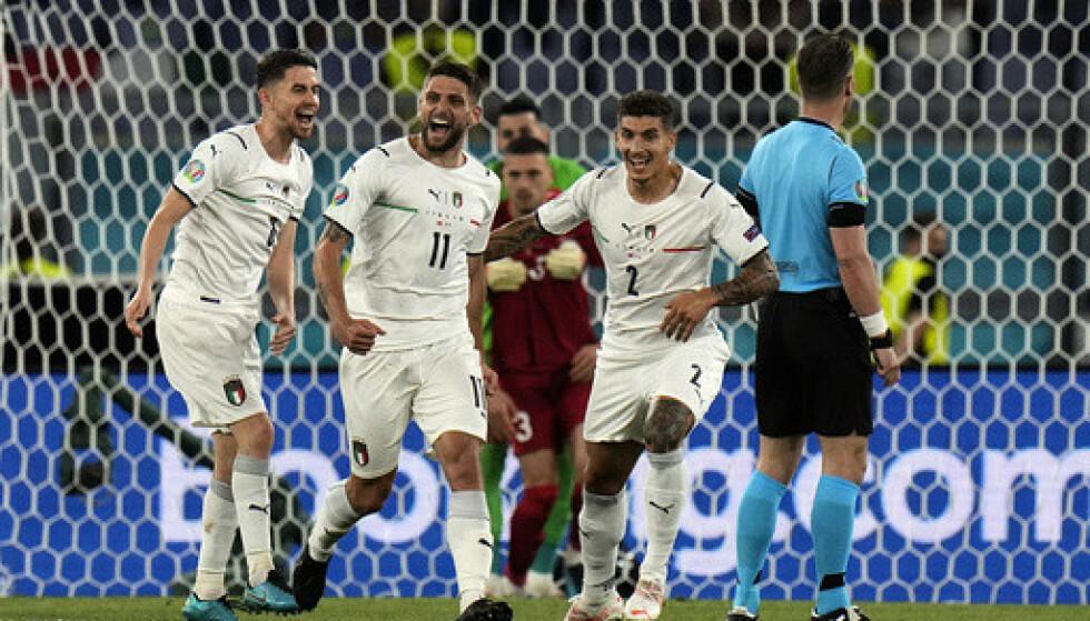 Italia kjørte over Tyrkia i EM-åpningen og vant 3-0
