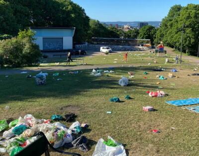 Image: Søppelkaos etter festnatt