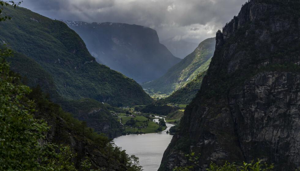 Aurlandsdalen i Vestland. Fylket er på topp blant planlagte feriedestinasjoner for nordmenn i sommer. Tirsdag kommer også kongeparet på besøk. Foto: Heiko Junge / NTB