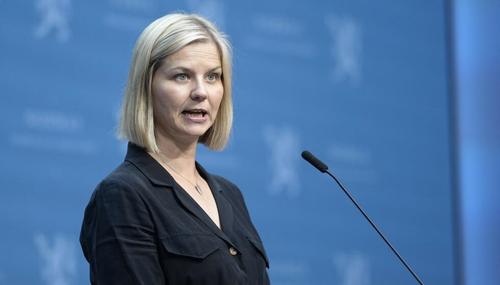 Kunnskaps- og integreringsminister Guri Melby under fredagens pressekonferanse om gjenåpningen av Norge. Foto: Fredrik Hagen / NTB
