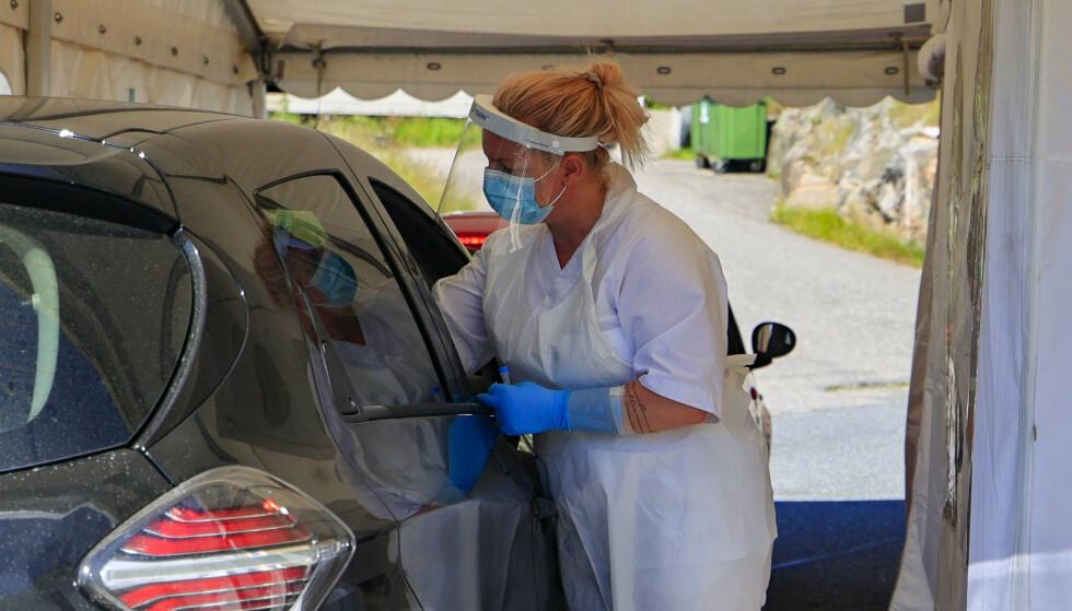 Det har vært en stor smitteøkning i Grimstad denne uken. Kommunen anslår at om lag 4000 sitter i karantene. Foto: Tor Erik Schrøder/NTB