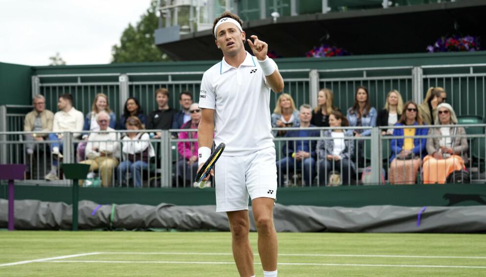 Casper Ruud hadde ikke marginene på sin side i første runde av den prestisjetunge turneringen Wimbledon. Foto: AP Photo/Alberto Pezzali