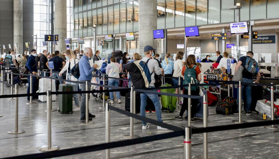 Fra innsjekkingen på Oslo lufthavn Gardermoen. Foto: Hanna Johre / NTB