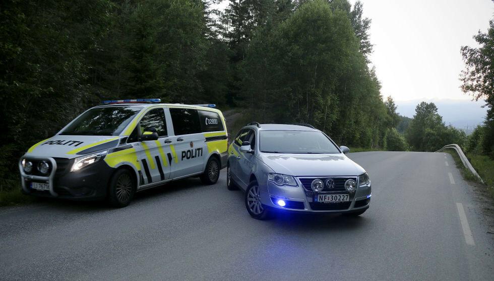 En død person ble funnet i terrenget i Skien torsdag kveld. Foto: Theo Aasland Valen / NTB