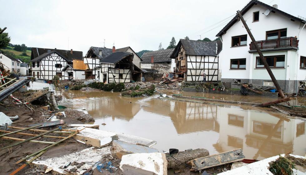 Flommen har herjet i Schuld i Tyskland. FOTO: REUTERS/Wolfgang Rattay via NTB