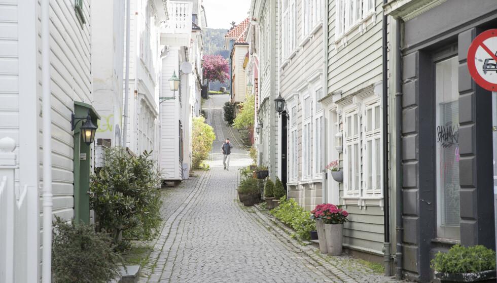 Bergen by består av en mengde små trange brosteinsbelagte gater.Foto: Terje Pedersen / NTB