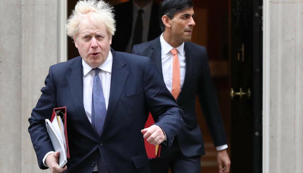 Statsminister Boris Johnson må likevel i isolasjon. Foto: NTB