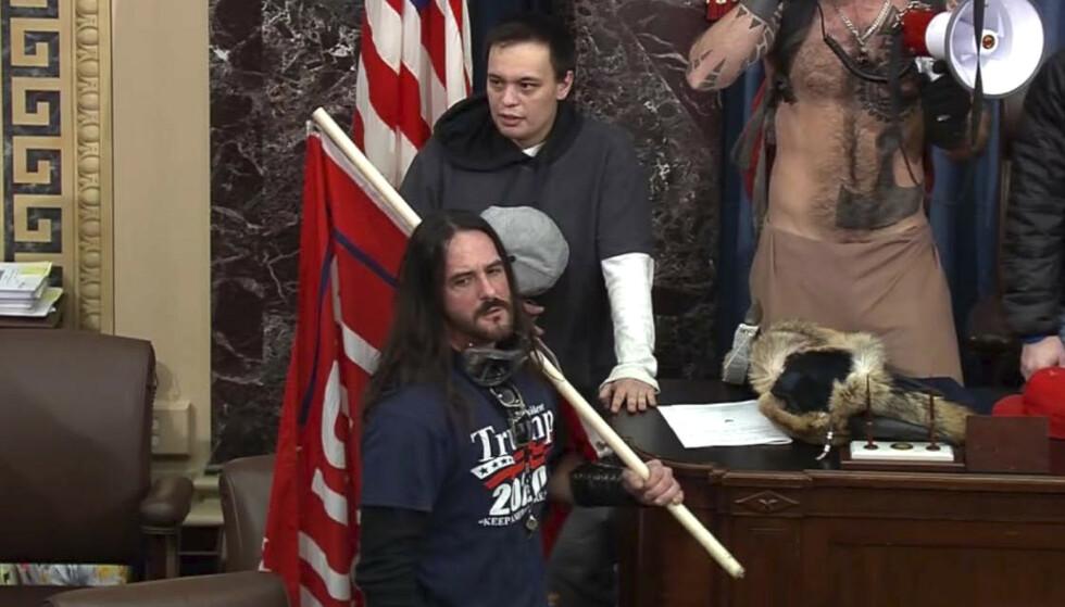Paul Allard Hodgkins, 38, er dømt til åtte måneders fengsel for sin rolle i stormingen av kongressen. (U.S. Capitol Police via AP, File)