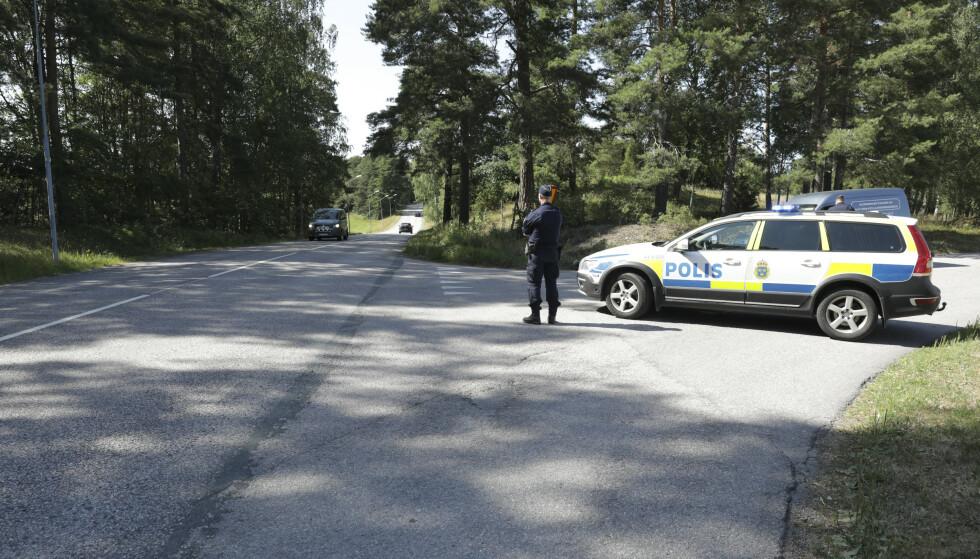 To fengselsansatte skal være tatt til gissel av insatte på Hällbyanstalten utenforr Eskilstuna. Foto: Per Karlsson/TT / NTB