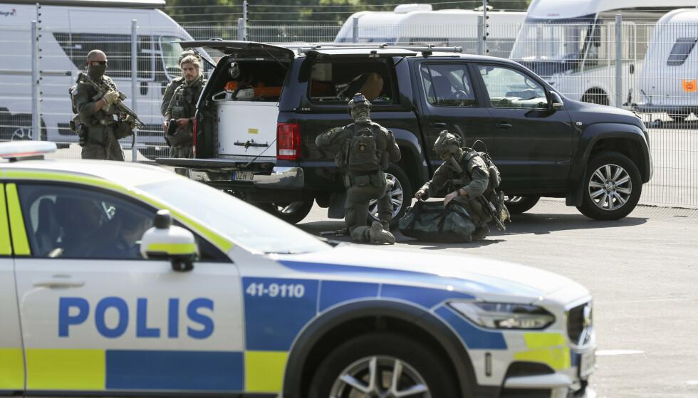 Fra gisselsituasjonen ved Hällbyfängelset utenfor Eskilstuna onsdag denne uken. Foto: Per Karlsson/TT / NTB