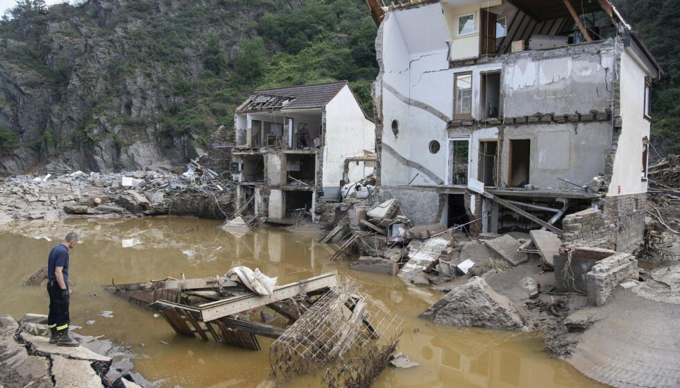 Flommen i Tyskland kostet minst 177 liv og fortsatt er mange savnet. Foto: AP / NTB