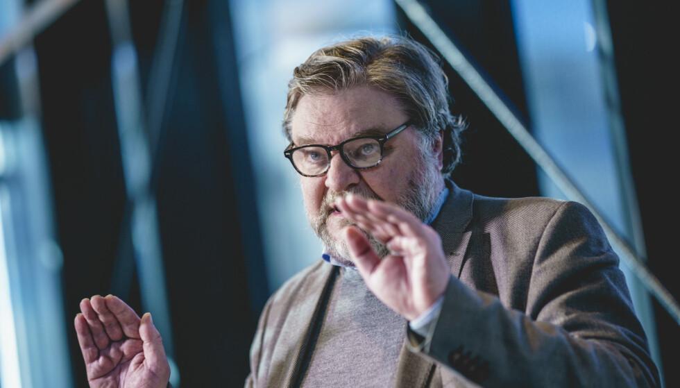 Steinar Madsen, medisinsk fagdirektør i Legemiddelverket, ber folk ta den vaksinen de får tilbudt. Foto: Stian Lysberg Solum / NTB