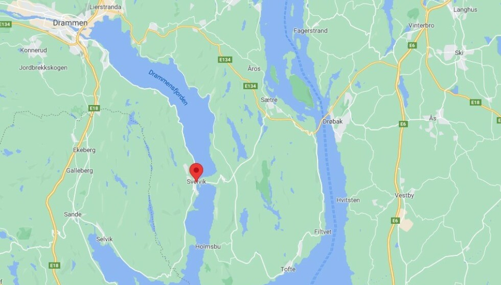 Svelvik er en liten by og et tettsted i Drammen kommune i Viken fylke.