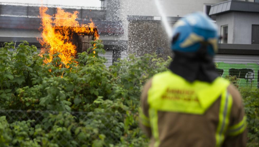 Det brant flere steder langs jernbanelinjen i området rundt Sandefjord. Foto: Trond Reidar Teigen / NTB