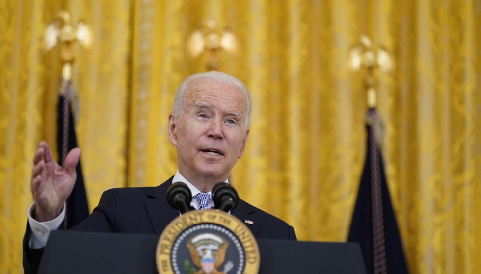 President Joe Biden kunngjorde de nye kravene til uvaksinerte offentlig ansatte i Det hvite hus torsdag. Foto: Susan Walsh/AP/NTB