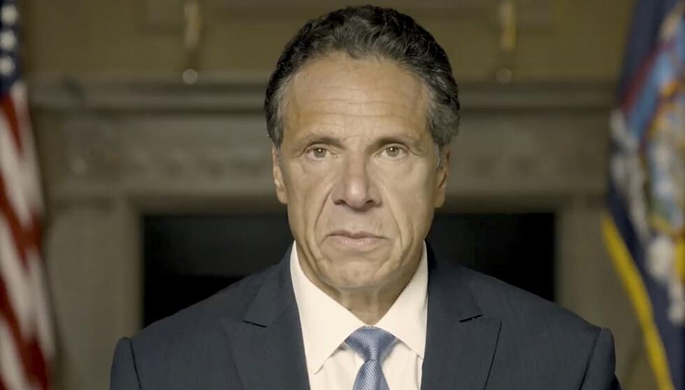 New Yorks guvernør, demokraten Andrew Cuomo, går av etter anklager om seksuell trakassering og upassende oppførsel. 64-åringen var under sterkt press fra flere i eget parti, blant dem president Joe Biden. Foto: New York-guvernørens kontor via AP / NTB