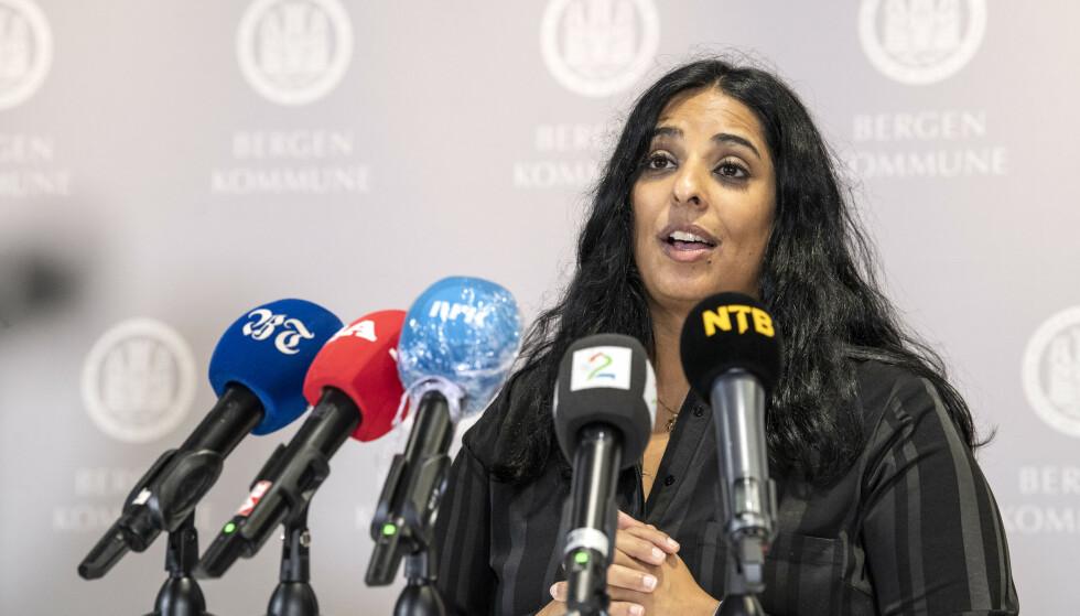 Byrådsleder Lubna Jaffery (Ap) er kritisk til at regjeringen tirsdag ettermiddag i VG varslet at koronatiltakene vil bli opphevet i slutten av september. Foto: Marit Hommedal / NTB