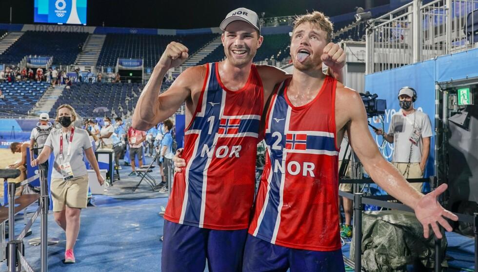 Anders Mol og Christian Sørum kunne igjen feire en mesterskapstittel da de vant sandvolleyball-EM i Wien søndag. Det skjedde en uke etter at de ble olympiske mestere. Foto: Heiko Junge / NTB