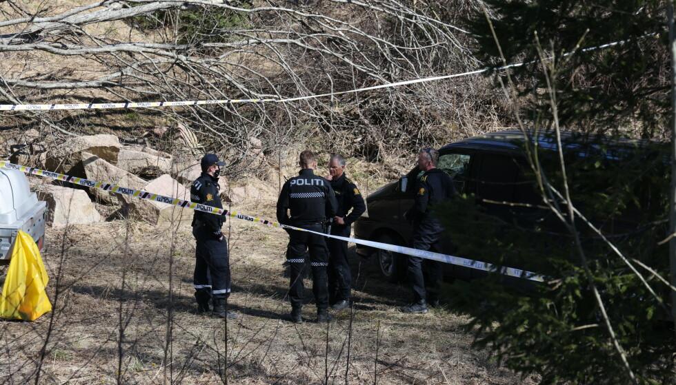 Politiet jobber på Tranby i Lier etter funn av beinrester i april. Foto: Ørn E. Borgen / NTB