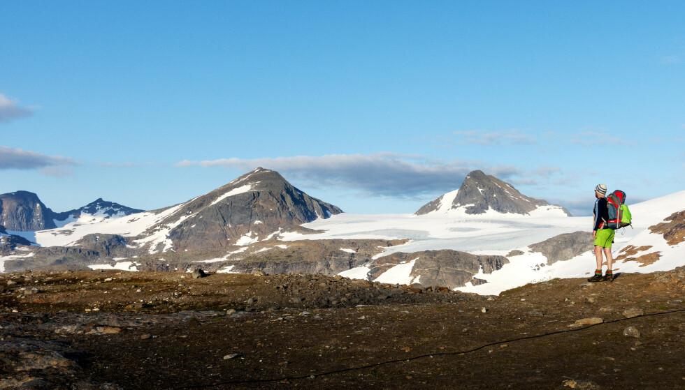 På fjelltoppene i nord kan det komme minusgrader og snø helt ned til 600 meter i helgen. Foto: Gorm Kallestad / NTB