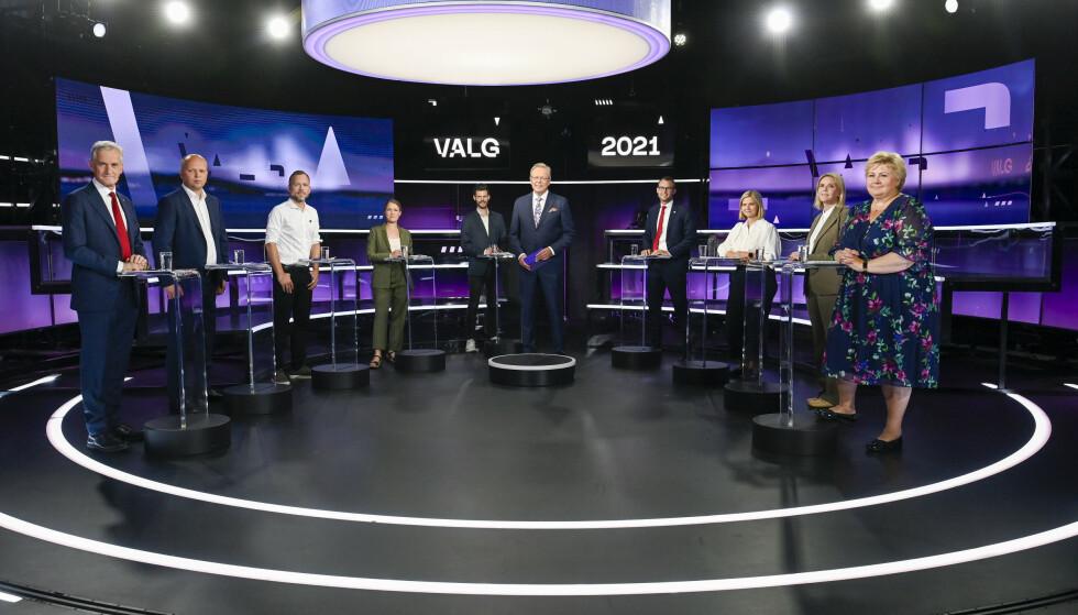 Partilederne i SV, Rødt, MDG, Høyre, Venstre, KrF, Senterpartiet og Arbeiderpartiet under debatten i Bergen tirsdag kveld. Foto: Marit Hommedal / NTB