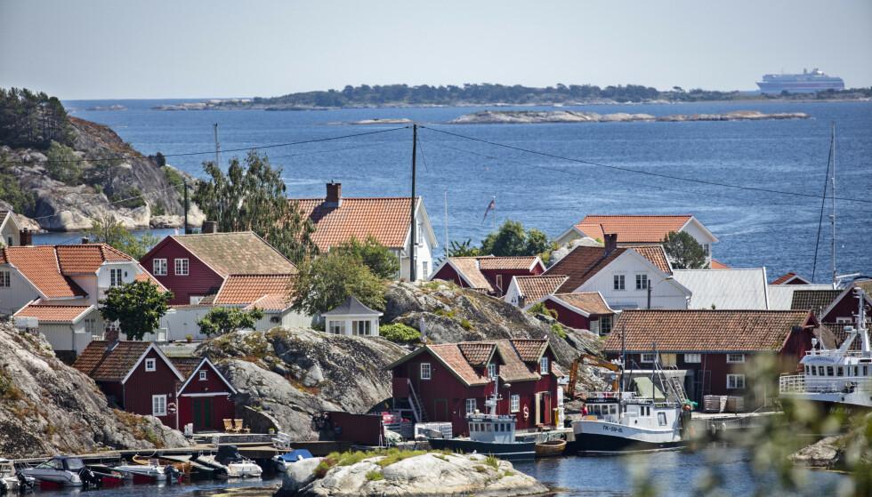 Uvanlig september-varme kan ventes ved kysten i Telemark. Her fra Bamble. Foto: Geir Olsen / NTB