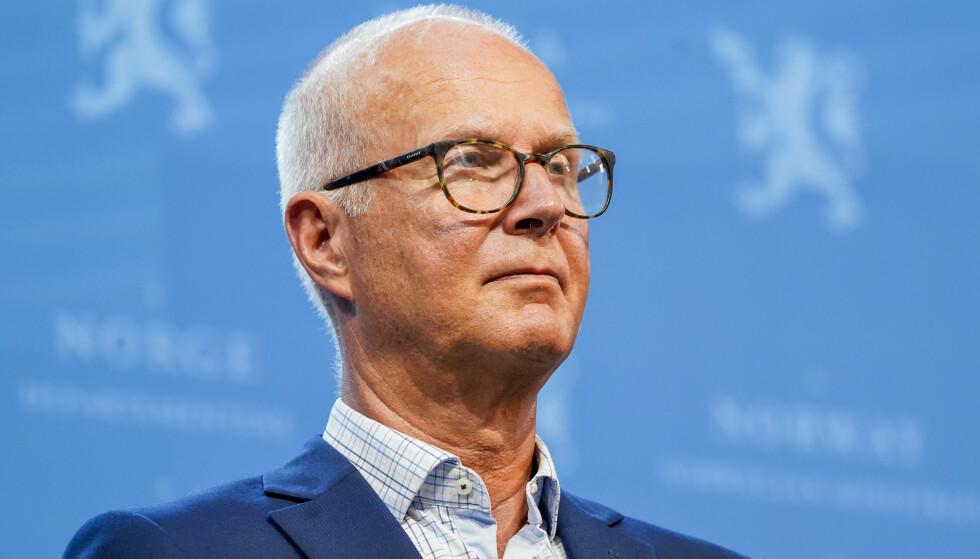 Helsedirektoratet anbefaler regjeringen å utsette trinn 4. Helsedirektør Bjørn Guldvog her under en tidligere pressekonferanse om coronasituasjonen. Foto: Torstein Bøe / NTB