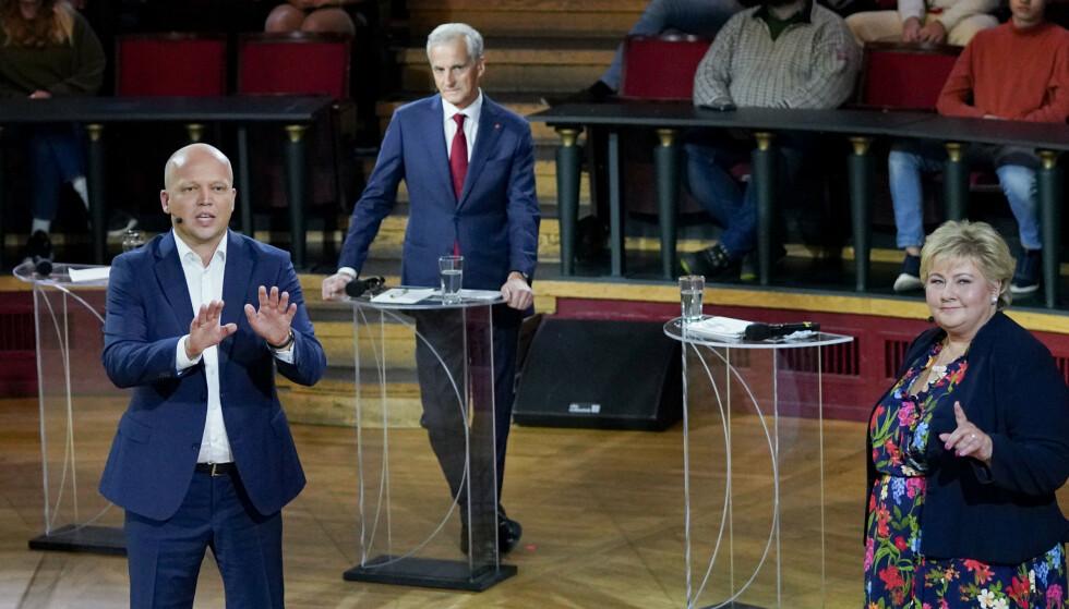 Sp-leder Trygve Slagsvold Vedum (til venstre), Ap-leder Jonas Gahr Støre og statsminister og Høyre-leder Erna Solberg under folkemøtet på Studentersamfundet i Trondheim. Foto: Gorm Kallestad / NTB
