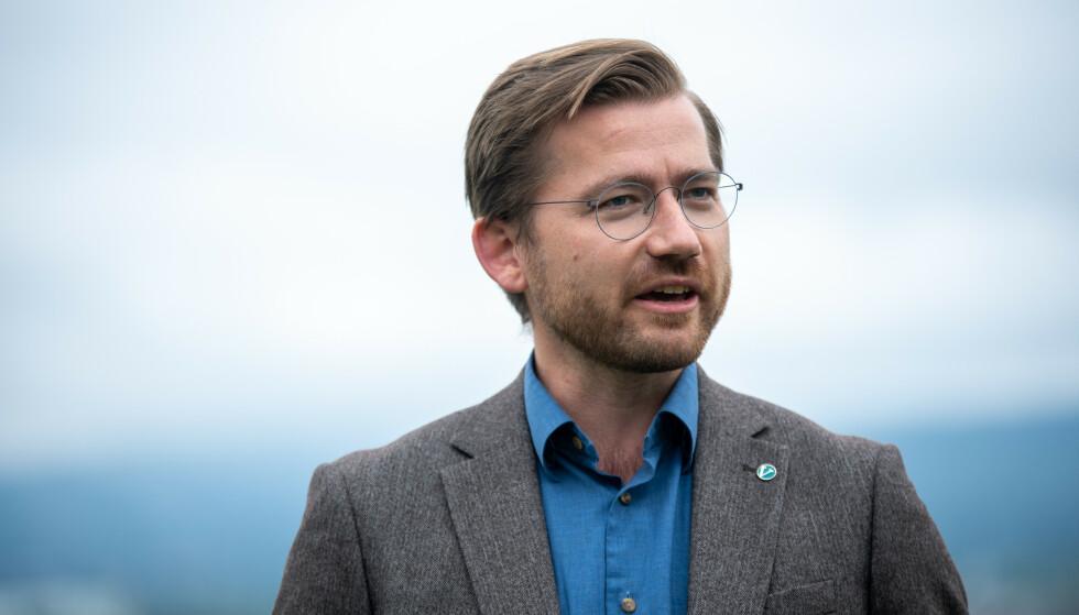 Klima- og miljøminister Sveinung Rotevatn (V) bodde i stortingsleilighet fra 2013 til 2017 mens han var folkeregistrert hjemme hos foreldrene i Eid. Foto: Annika Byrde / NTB