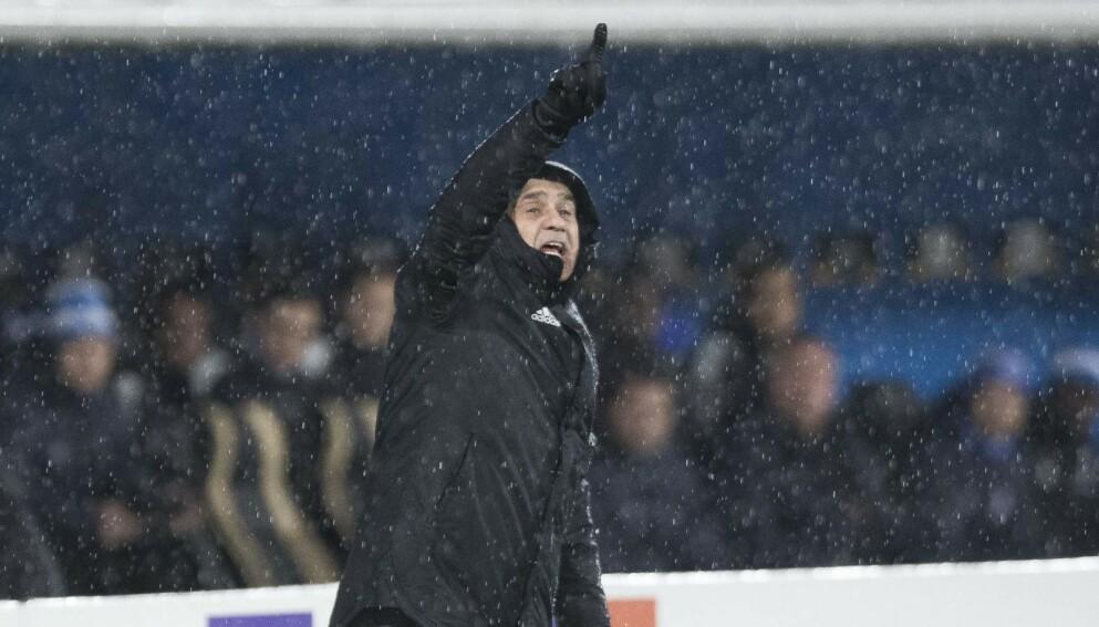 Tyrkia-trener Şenol Günes lever farlig som landslagstrener. Her fra sin tid som Besiktas-sjef. Foto: Terje Pedersen / NTB
