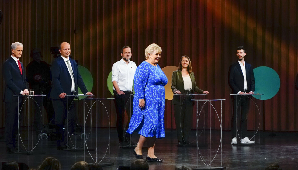 Fra v. Jonas Gahr Støre (Ap), Trygve Slagsvold Vedum (Sp), Audun Lysbakken (SV), Erna Solberg (H), Une Aina Bastholm (MDG) og Bjørnar Moxnes (Rødt) under den NRK-sendte partilederdebatten fra Stormen konserthus i Bodø fredag. Foto: Håkon Mosvold Larsen / NTB
