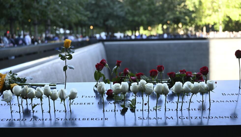 Samme dag som ofrene etter terroren 11. september 2001 mintes, ble det første hemmeligstemplede terrordokumentet offentliggjort. Foto: David Handschuh / pool via AP / NTB