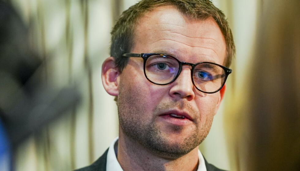 Kjell Ingolf Ropstad møter pressen i Regjeringskvartalet i Oslo.Foto: Ali Zare / NTB