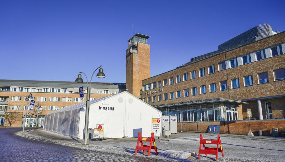 Oslo universitetssykehus står nå i en fjerde bølge av coronapasienter. Samtidig vil ikke smitteutbruddet foreløpig få alvorlige konsekvenser for intensivdriften. Foto: Håkon Mosvold Larsen / NTB
