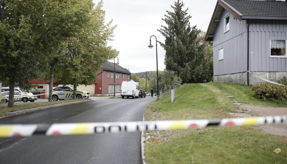 En person døde etter knivstikking i Asker tidlig fredag ettermiddag. Siktede ble først pågrepet lørdag. Foto: Javad Parsa / NTB