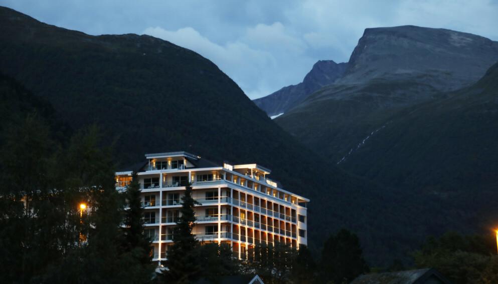 For første gang var det over to millioner norske hotellovernattinger i august. Bildet viser Hotell Alexandra i Loen i Nordfjord. Illustrasjonsfoto: Erik Johansen / NTB