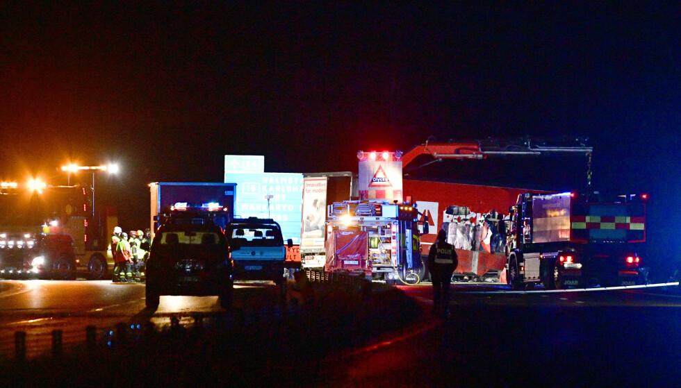 Ulykken skjedde på E4 ved Markaryd sør i Sverige. Foto: Johan Nilsson/TT / NTB