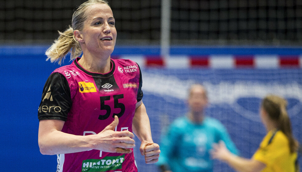 Vipers Heidi Løke jubler under NM-finalen i håndball for kvinner mellom Sola og Vipers i Stavanger idrettshallFoto: Carina Johansen / NTB