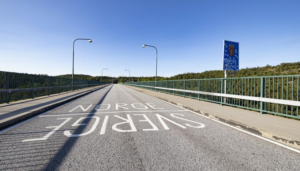 Trolig blir det mer trafikk å se på den gamle Svinesundsbrua fremover. Foto: Tor Erik Schrøder / NTB