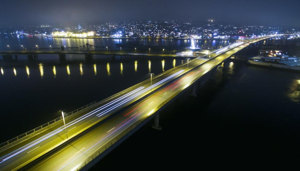 Illustrasjonsfoto: E18 over motorveibrua i Drammen. (Foto: Tore Meek / NTB)