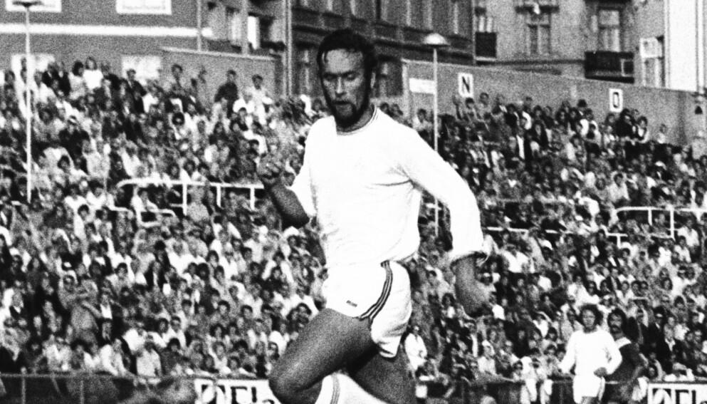 Olav Nilsen på Bislett stadion i en kamp mellom Frigg og Viking. Foto: NTB-arkiv / NTB